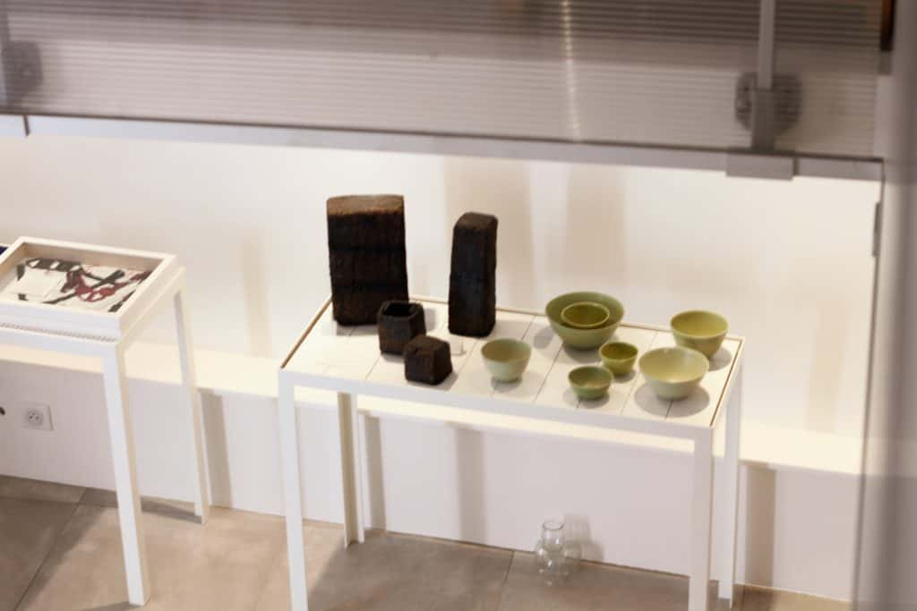 At Ouvrage... concept store in Aix-en-Provence, you will find the monoliths from Jérôme Hirson and the ceramics from Cécile Préziosa