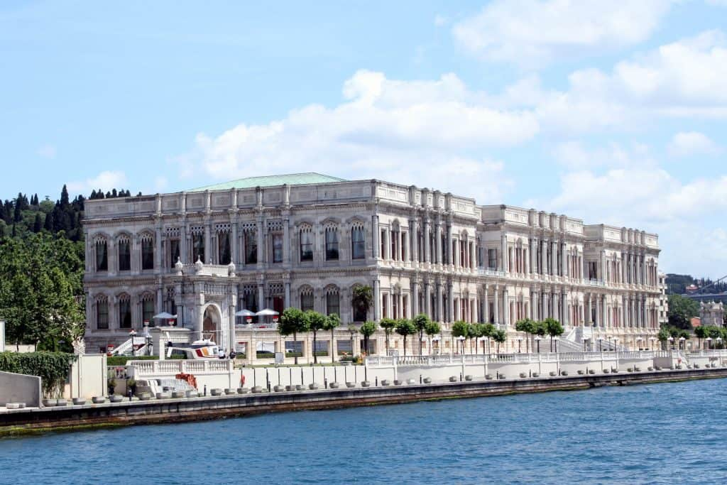 Istanbul quarter of Akaretler, Dolmabahce Palace